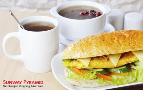 "6"" Farm Egg Sandwich + Herbal Chicken Soup - Ginseng + Fortune Delight Beverage"